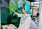 Tác giả con đường gốm sứ vẽ tranh tường tại sân bay Đà Nẵng