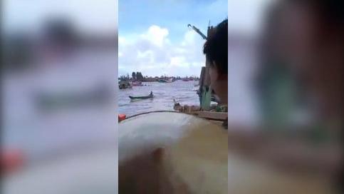 chìm tàu gành hào