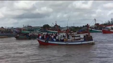 Cứu hộ chìm tàu ở Bạc Liêu