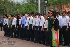 Dâng hương tưởng niệm Tổng bí thư Lê Duẩn