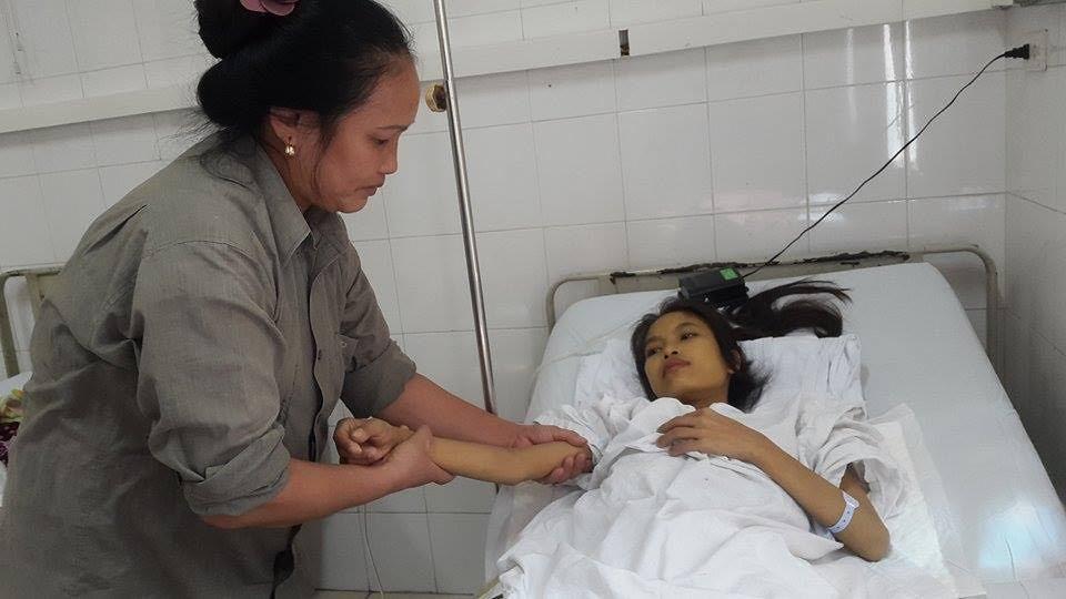 Xót thương cảnh cô gái nghèo giành giật sự sống qua 10 lần phẫu thuật