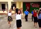 Thầy cô nhảy đẹp mắt như vũ công trên nền nhạc Cha Cha Cha