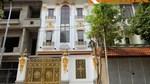 Ngắm biệt thự trắng nổi bần bật trên phố Hà Nội