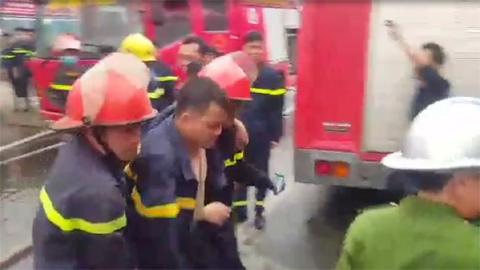 Lính cứu hỏa bị thương