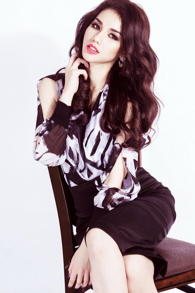 Hotgirl MC Quỳnh Chi từng không dám ra đường vì lý do này