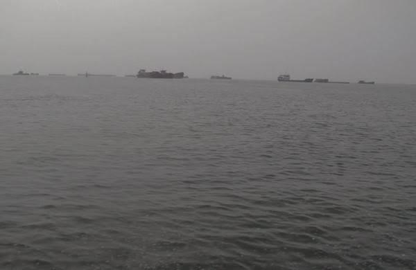 Phát hiện thi thể nam giới trôi dạt trên biển