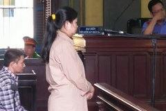 Cô giáo ra tòa vì chiếm đoạt tiền của 56 đồng nghiệp