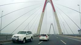 Bộ Y tế phản hồi vụ xe biển xanh đi ngược chiều trên cầu Nhật Tân