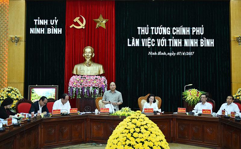 Thủ tướng ấn tượng với Ninh Bình: 'Tỉnh nhỏ làm được nhiều việc lớn'