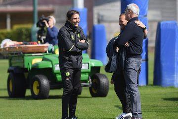 Ranieri về Chelsea làm cố vấn cho Conte?