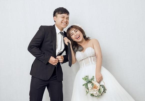Ảnh cưới hoán đổi hài hước của cặp 9X Hà thành