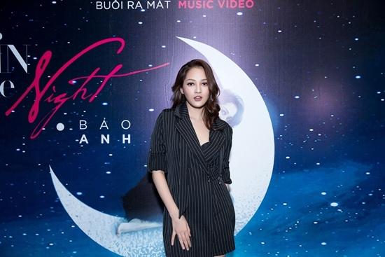 Fan 'ghen hộ' Hồ Quang Hiếu khi thấy Bảo Anh hôn Hữu Vi say đắm