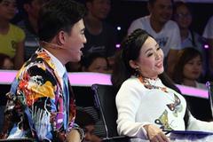 NSND Thu Hiền xin lỗi Quang Linh trên sóng truyền hình