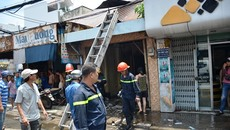 Cháy nhà giữa trưa ở Sài Gòn, đôi vợ chồng đạp cửa thoát thân