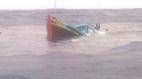 Tàu cá bị đâm chìm, 4 ngư dân nhảy xuống biển