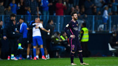 Neymar thẻ đỏ, Messi và Suarez mất tích, Barca thua tủi hổ