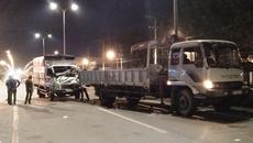 Tài xế, phụ xe chết thảm sau va chạm kinh hoàng giữa 2 xe tải