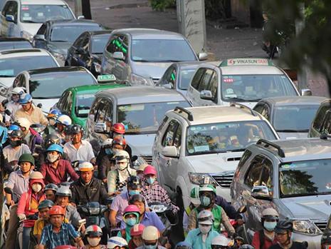 thu phí, phí ô tô, TP.HCM, Sài Gòn, phí đường bộ, ô tô, xe máy