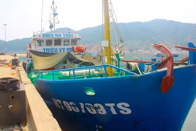 Tàu vỏ sắt ngư dân Hà Tĩnh trúng đậm