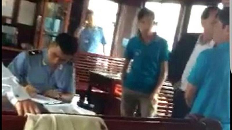 giam lỏng, khách du lịch, vịnh Hạ Long, Quảng Ninh