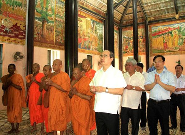 Chủ tịch MTTQ VN chúc Tết Chol Chnam Thmay