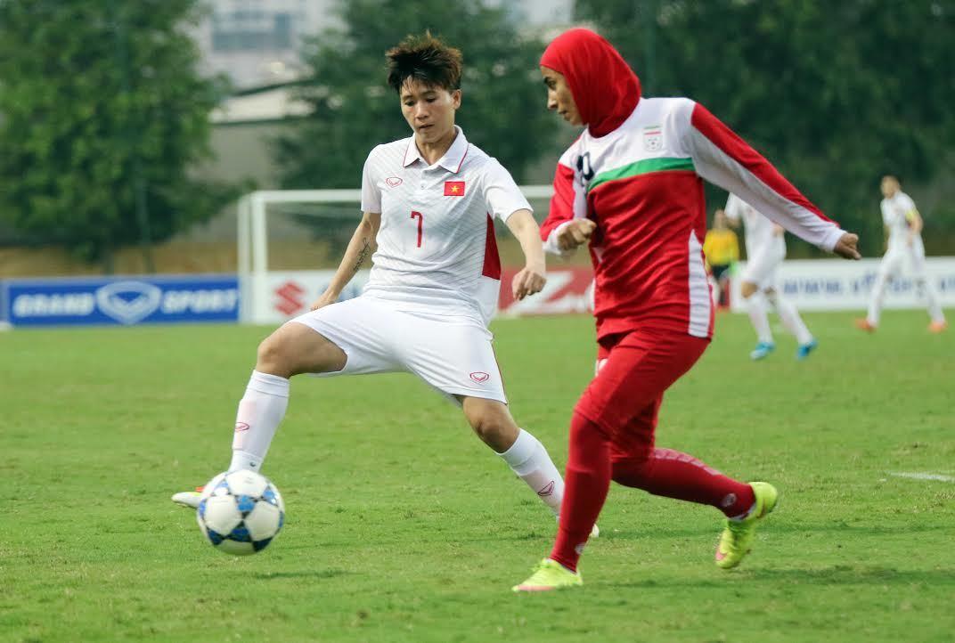 Đại thắng Iran 6-1, nữ Việt Nam sáng cửa vào VCK