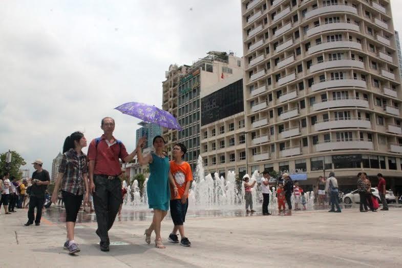 Đồ lưu niệm, ẩm thực sẽ được bán trên phố đi bộ Nguyễn Huệ?