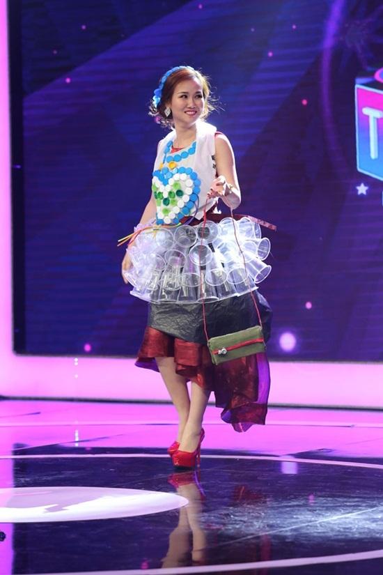 Chết cười xem Trấn Thành, Ốc Thanh Vân diễn thời trang