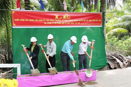 Địa ốc Kim Phát góp sức xây cầu ở Bến Tre