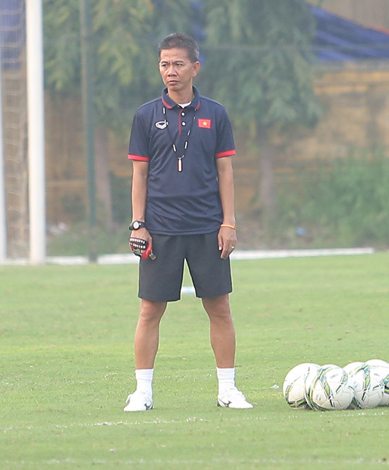 HLV Hoàng Anh Tuấn: 'U20 Việt Nam yếu nhưng có... chiêu ở World Cup!'