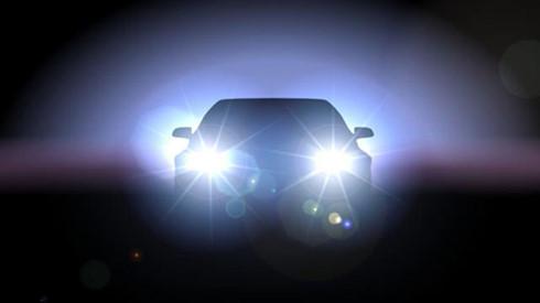 Đi ôtô trong phố, bật đèn pha bị phạt bao nhiêu?