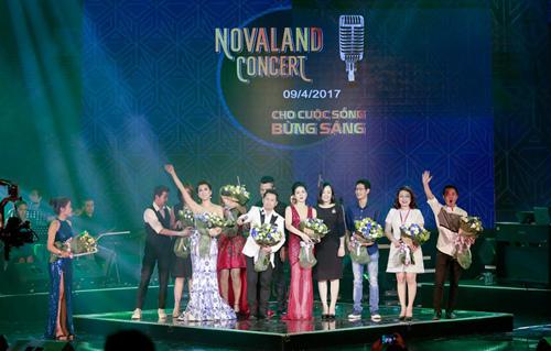 Bằng Kiều, Lệ Quyên đong đầy cảm xúc trong Novaland Concert 2017