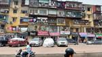 Cận cảnh khu nhà tập thể nguy hiểm nhất Hà Nội nằm sát hồ Thành Công