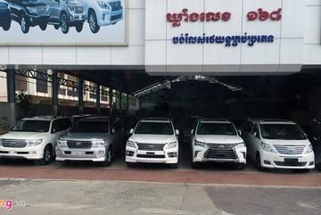 Xe sang Lexus chạy đầy đường tại Campuchia