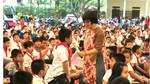 'Tủ sách Lam Sơn' đến với học sinh Đông Sơn, Thanh Hóa