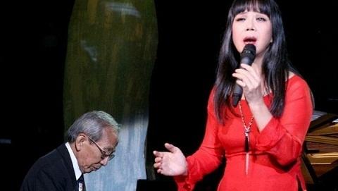 Tâm sự của ca sĩ Ánh Tuyết về vụ lùm xùm với gia đình nhạc sĩ Nguyễn Ánh 9