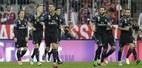 """Ronaldo lập cú đúp, Real """"bẻ nanh"""" Hùm xám"""