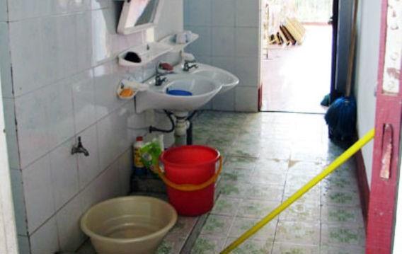 Bác sĩ lặng người khi bé 10 tháng ngạt nước ngay tại nhà