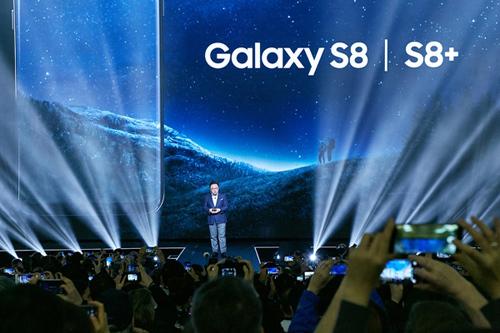 Người dùng Việt ngóng chờ Galaxy S8/S8+ lên kệ