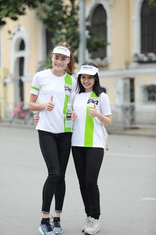 Nổi bật 'bóng hồng' Thể thao VN trong Ngày chạy Olympic 2017