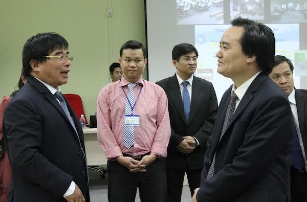 Bộ trưởng Phùng Xuân Nhạ, hiệu trưởng, giảng viên, dân chủ trong trường học