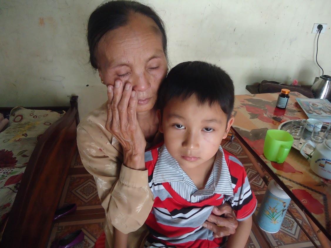nhân ái, từ thiện, hiểm nghèo, mẹ nghèo, mẹ chồng