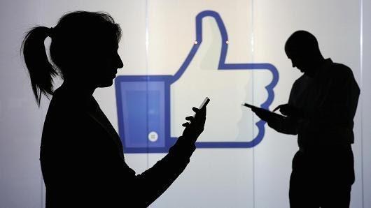 Facebook ra tay chặn 30.000 tài khoản giả mạo