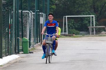 U20 Việt Nam: Trọng Đại trở lại, Tấn Sinh đạp xe chờ ngày tái xuất