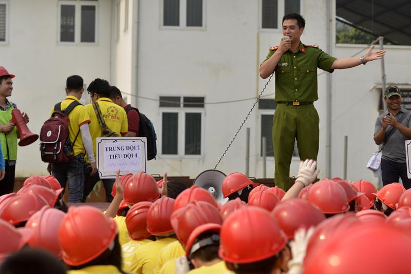 Tận mắt xem học trò thoát khỏi đám cháy có bài bản