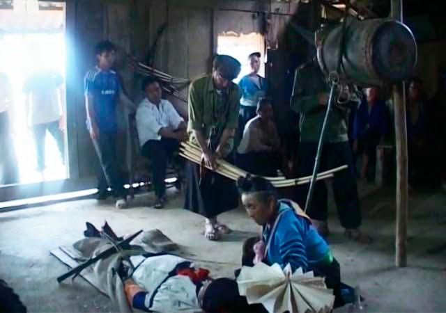hủ tục, phó bí thư huyện, treo người chết, dân tộc H'Mông