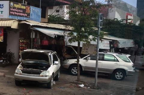 Lexus đầy đường ở Campuchia: Về Việt Nam cũng chẳng rẻ hơn