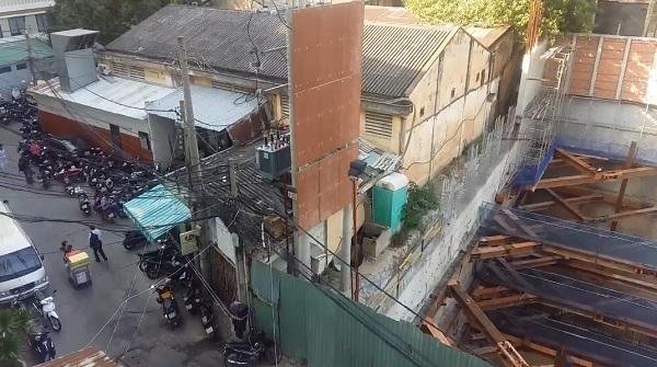 Sụp lún nhà dân gần công trình xây dựng trụ sở ngân hàng
