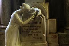 Chuyện tình sau ngôi mộ cổ của con trai người 'giàu nhất trời Nam'