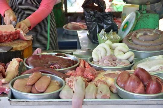 thịt lợn, thịt chó, cua Hoàng đế, sữa chua hoa quả, dưa hấu, tôm hùm, nội tạng